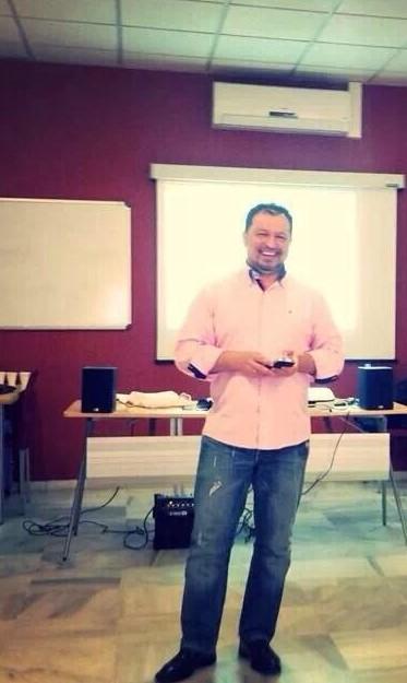 """Consultor de Marketing & Liderazgo en sermijefe.es /Trabajando en TELCO Digital/ Conferenciante """"Style 77"""" Sermijefe.es Técnico Superior en Coaching Ejecutivo y Empresarial (COANCO)"""